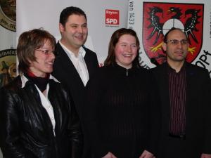 KV Vorsitzende Carolin Braun mit den Kandidaten: Christian Beyer, Claudia Weßling und Ismail Ertug
